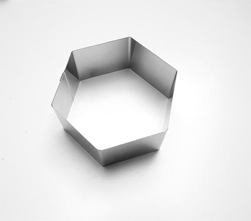 Form.6úhelník na přílohy, 8x4cm, č.6016, pocín